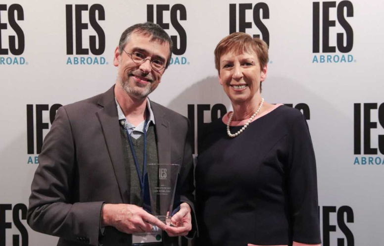 Leo Rowland Honored As Ies Abroad Volunteer Of The Year University Of Redlands